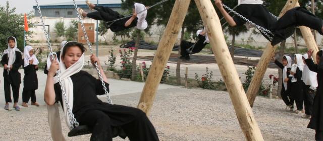 Spielplatz Mazar-I-Sharif 2009