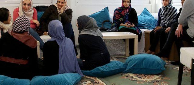 """""""Gemeinsames Frauen- und Familienzentrum eröffnet"""" – Zentraler Koordinierungsstab Flüchtlinge"""